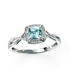 9ct Aquamarine and diamond ring